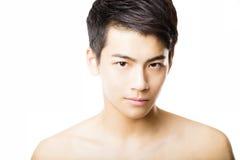 Cara atractiva del hombre joven del primer imagen de archivo