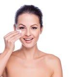 Cara bonita da mulher adulta nova com pele fresca limpa Imagens de Stock Royalty Free