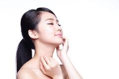 Cara bonita da mulher dos cuidados com a pele Imagens de Stock Royalty Free