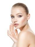 Cara da beleza da mulher bonita nova foto de stock royalty free