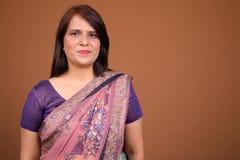 Cara da mulher indiana que veste a roupa tradicional de Sari Indian imagem de stock royalty free