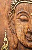 Cara de Buddha, hecha de la madera de la teca en estilo tailandés Fotografía de archivo libre de regalías