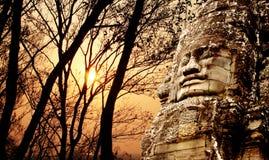 Cara de pedra gigante no templo de Prasat Bayon, Angkor Wat, Camboja Imagens de Stock Royalty Free