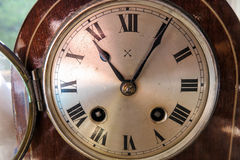 Cara de reloj, antigüedad, ronda, reloj del carro Fotos de archivo