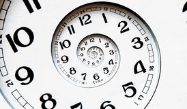 Cara de reloj torcida generada Digitaces. Fotografía de archivo