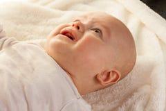 Cara de un griterío, bebés tristes Fotos de archivo libres de regalías