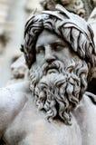 Cara de Zeus na fonte de Navona da praça, Roma Itália Fotografia de Stock