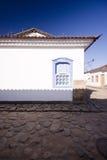 Cara del edificio blanco Imágenes de archivo libres de regalías