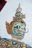 Cara del soporte gigante alrededor de la pagoda de Tailandia Imagen de archivo