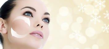 Cara do ` s da jovem mulher, conceito antienvelhecimento foto de stock