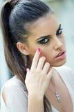 Cara fêmea bonita com composição da fôrma imagens de stock
