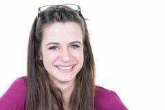 Cara femenina del retrato de la mujer de la muchacha del adolescente con las lentes Imagenes de archivo