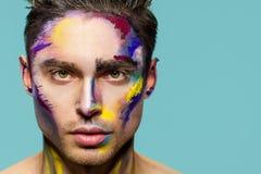 Cara masculina, arte del maquillaje imagen de archivo