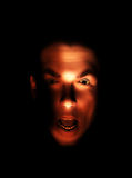 Cara masculina dada una sacudida eléctrica Fotos de archivo