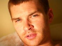 Cara masculina linda fotografía de archivo