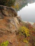 Cara ocultada en roca Imagenes de archivo
