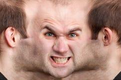 Cara panorámica del hombre enojado foto de archivo