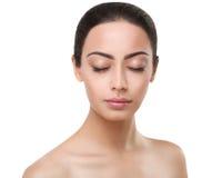 Cara perfeita da menina indiana bonita com olhos fechados Foto de Stock
