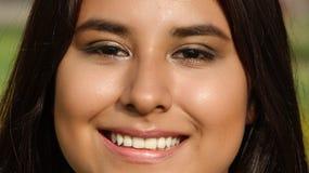 Cara sonriente de adolescente femenino Fotografía de archivo