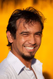 Cara sonriente del hombre adulto hispánico Fotos de archivo libres de regalías
