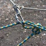 carabine连接的绳索有些 库存照片