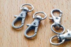 Carabiner για τα κλειδιά Βασική αλυσίδα με το δαχτυλίδι στοκ φωτογραφία