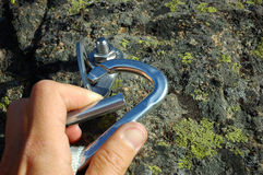 Carabiner della mano Fotografia Stock Libera da Diritti