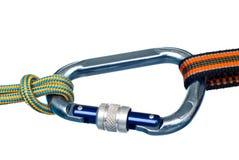 Carabiner e due corde Fotografie Stock