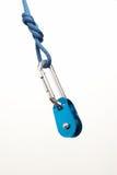 Carabiner, Seil und Seilrolle Stockfoto