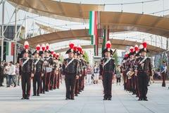 Carabinieri mässingsmusikband som utför på expon 2015 i Milan, Italien Royaltyfri Bild