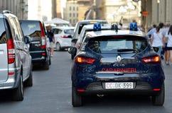 Carabinieri ` s samochód jest Renault Clio włoszczyzny policją parkującym blisko w piazza San Marco Obraz Royalty Free