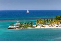Caraïbische Inham aan Ocho Rios, Jamaïca Stock Fotografie
