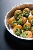 Caracóis franceses clássicos preparados de Borgonha dos escargots dos alimentos, Escargo fotografia de stock royalty free