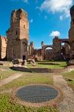 Caracalla скачет руины и решетка на Рим Стоковое Изображение
