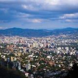 Caracas dal som ses från Avilaen Arkivbilder