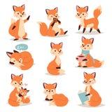 Caractère adorable mignon de Fox faisant l'animal orange rouge de forêt de queue et de faune de nature heureuse drôle différente  Image stock