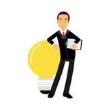 Caractère d'homme d'affaires se penchant sur une ampoule géante, illustration d'idée d'affaires Photo stock