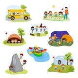 Caractères de campeur d'enfants de vecteur de camp d'enfants et activité de camping sur l'ensemble d'illustration de vacances d'é illustration stock