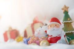 Caractères et décorations colorés de Noël Utilisation comme wallpape Photographie stock