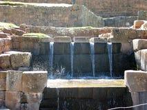 Caractéristique de l'eau d'Inca chez Tipon près de Cusco, Pérou photo stock