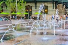 Caractéristique de l'eau devant la station des syndicats en Denver Colorado photos libres de droits