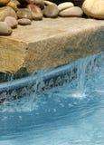 Característica da água da piscina Fotos de Stock Royalty Free