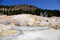 Característica termal en el parque nacional volcánico de Lassen Fotos de archivo