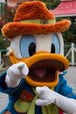 Caracteres de Disneyland París, Donald Duck, durante una demostración Fotos de archivo libres de regalías