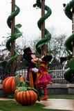 Caracteres de Disneyland París durante la demostración de Halloween Fotos de archivo