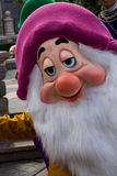 Caracteres de Disneyland París durante una demostración Imagen de archivo libre de regalías