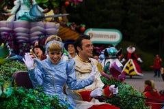 Caracteres de Disneyland París en desfile Imagen de archivo libre de regalías