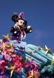 Caracteres de Disneyland París, Mickey Mouse en desfile Imágenes de archivo libres de regalías
