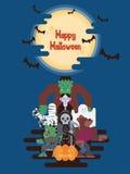 Caracteres de Halloween debajo de la luna Foto de archivo