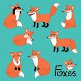 Caracteres dibujados mano divertida del zorro fijados Imagen de archivo
